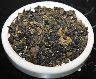 Gerollter Thai Oolong Tee der in Nordthailand heimischen Assamica-Teepflanze